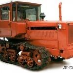Traktor-DT-75-D-75